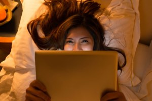 Wean-the-Screen-8-Reasons-to-Stop-Staring-at-Your-Phone-or-iPad-in-Bed-photo3