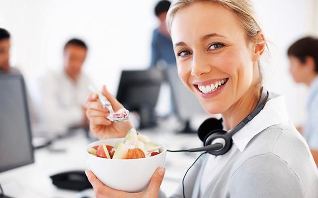 comer-en-trabajo-02