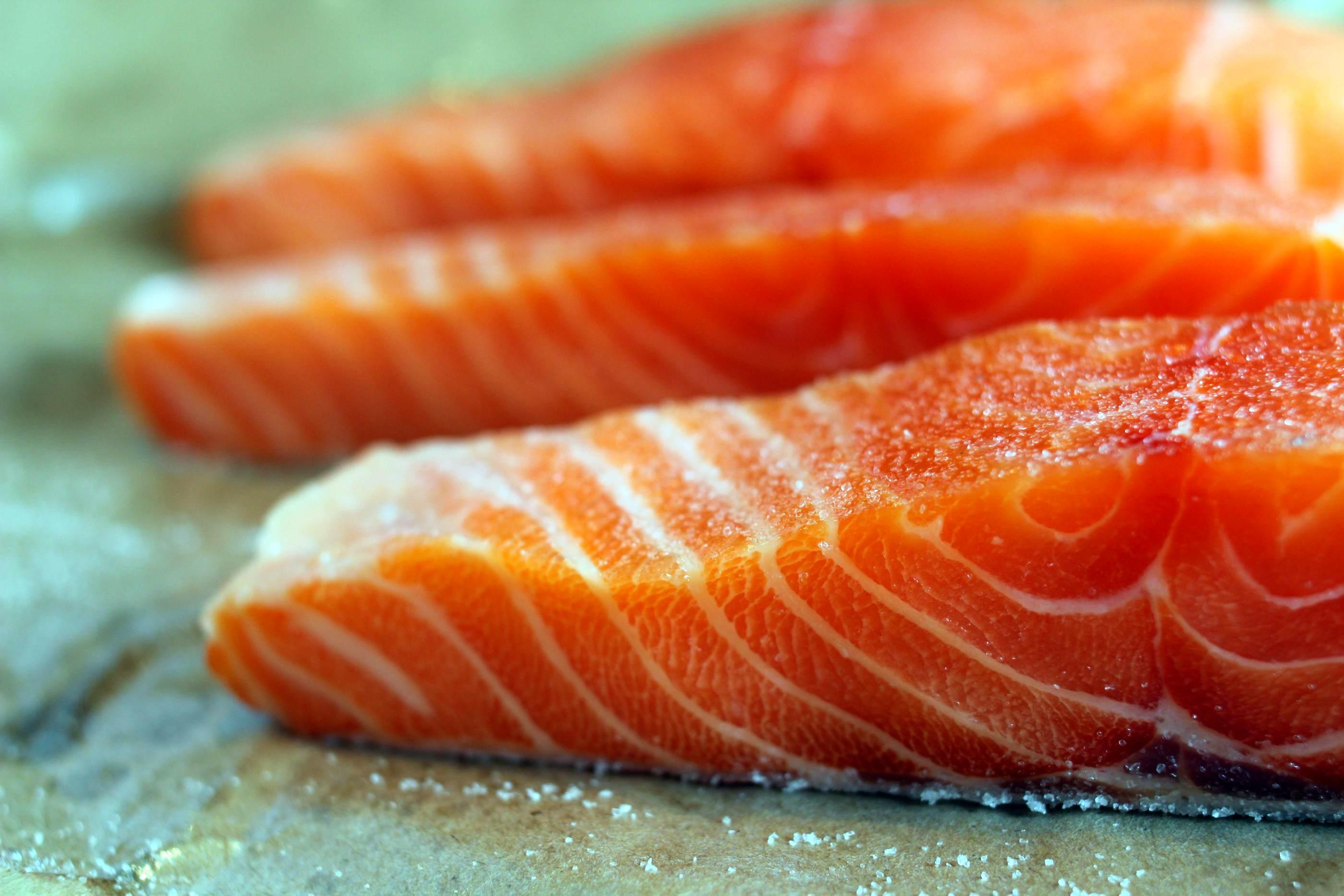 seared-salmon-raw.jpg