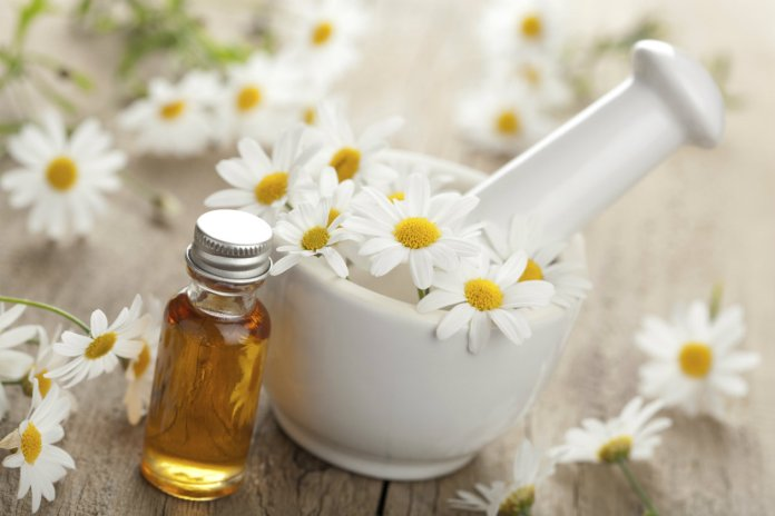 Beneficios-del-aceite-de-manzanilla-1.jpg
