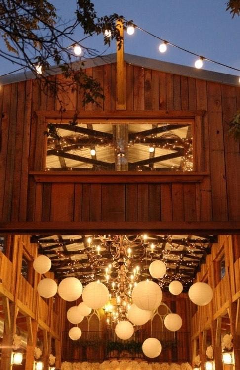 bodas-rusticas-con-decoracion-con-globos